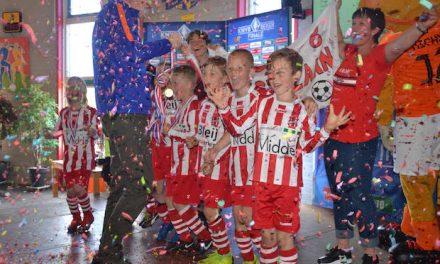 VVV Westzaan (JO8) schrijft clubhistorie!