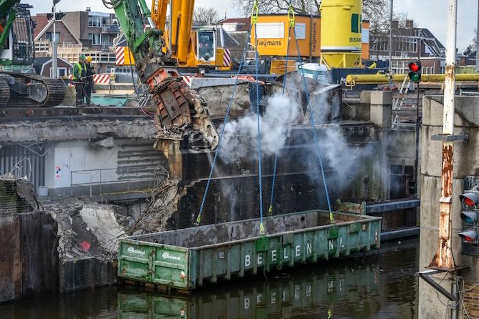 De sluizen van Zaandam: een reuzenhappende vermorzelaarmachine